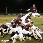 Huskies Are Rulers of  6A Baseball, Softball